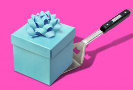 Что подарить маме на день рождения: оригинальные идеи подарков с кэшбэком