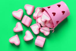 Что подарить девушке на 14 февраля: идеи подарка