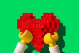Что подарить парню на 14 февраля: лучшие идеи